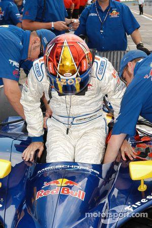 Patrick Carpentier enters his car