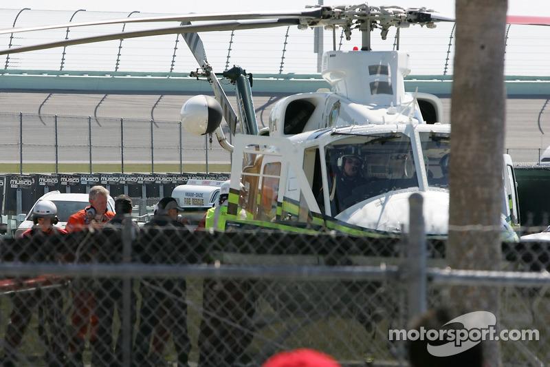 Paul Dana es llevado al hospital en helicóptero