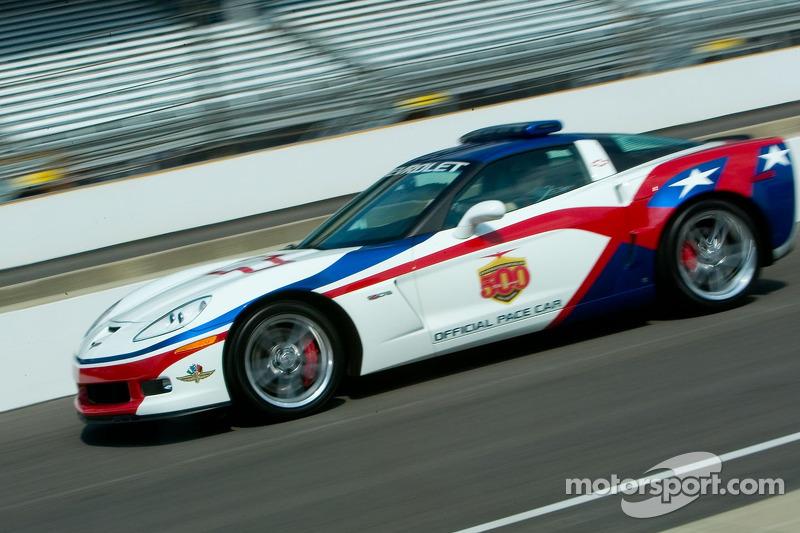 La voiture de chauffe Indy 500