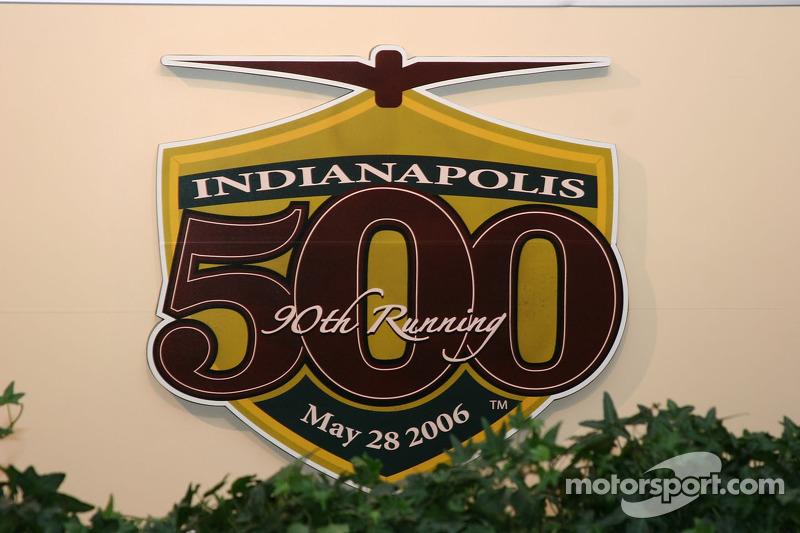 Logo officiel de la 90e édition des Indianapolis 500