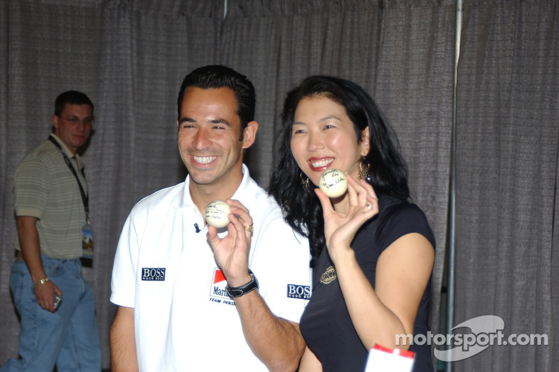 Helio Castroneves et la star du bllard Jeanette Lee