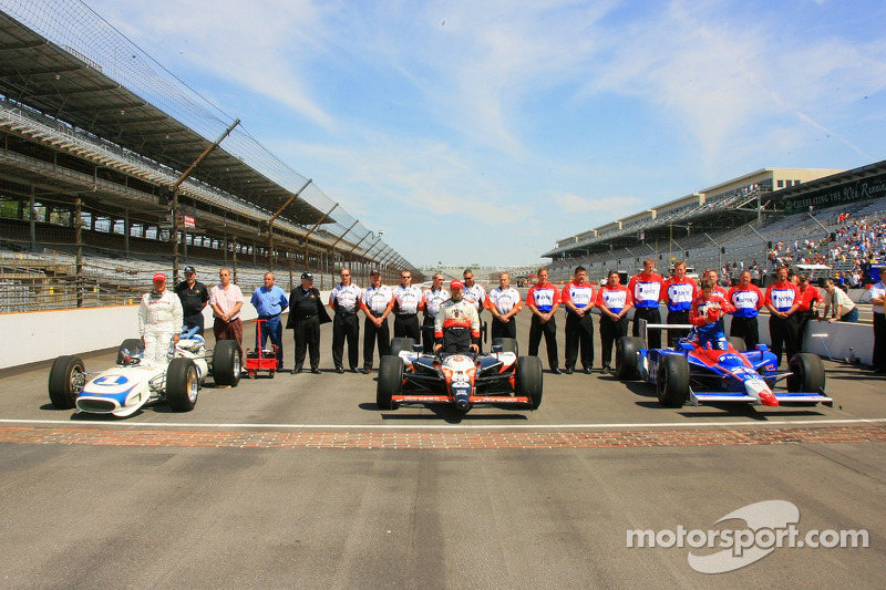 Mario Andretti, Michael Andretti et Marco Andretti sur les briques