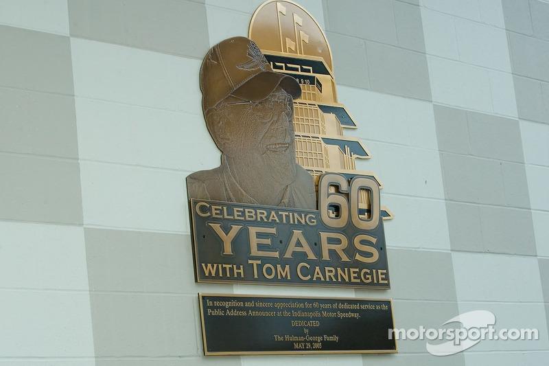 Dédicace pour Tom Carnegie