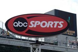 ABC Sports a télédiffusé les 500 pendant plus de 40 ans