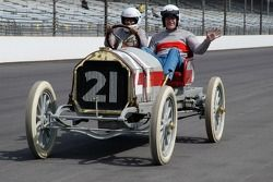Vintage racers: 1909 Stoddard-Dayton