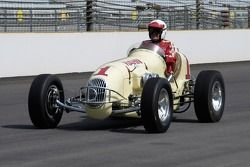 Vintage racers: 1946 Hahn Offy