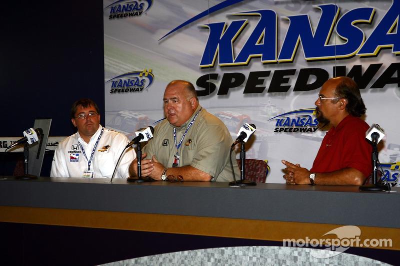 Conférence de presse : Le co-propriétaire de Panther Racing John Barnes