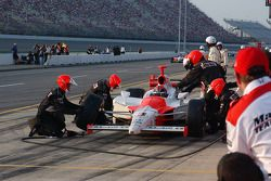 Pitstop for Helio Castroneves