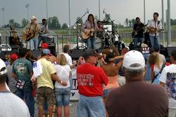 Carolina Rain performs a pre-race concert