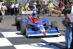 Will Marco Andretti run over sister Marissa's sunglasses?