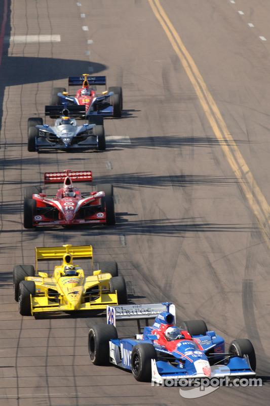 Marco Andretti devant Vitor Meira