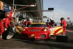 Pitstop #72 AF Corse Ferrari F430: Robert Kauffman, Rui Aguas, Michael Waltrip