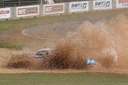 Kyle Mohan en Eric O'Sullivan in het gravel