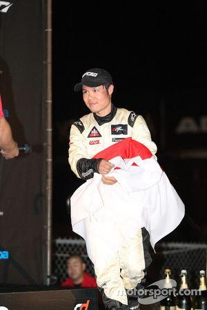Toshiki Yoshioka op het podium na 3de plaats
