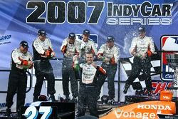 Victory lane: Dario Franchitti celebrates the win and the 2007 IndyCar Series championship with Andr