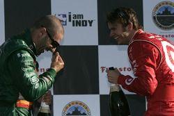 Podium: champagne for Tony Kanaan and Dan Wheldon