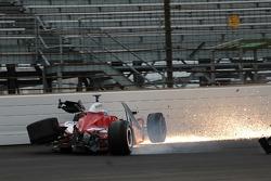 Milka Duno crashes in turn 2