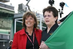 Inicio honorario: Billie Jean King con Lyn St. James