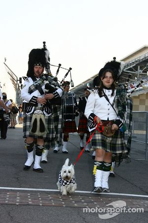 Speedway Gordon Pipers lead the way with a beat