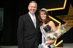 Indianapolis Mayor, Bart Peterson, left, with the 500 Festival Queen, Danielle Sylvester