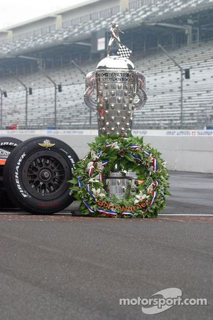 The Borg Warner Trophy and the winner's wreath