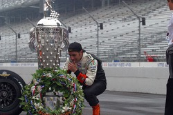 Dario Franchitti looks for his boyhood idol and fellow Scotsman, Graham Hill on the Borg Warner Trophy