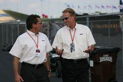 Scott Goodyear et Marty Reid