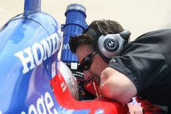 Michael Andretti speaks with his son, Marco Andretti