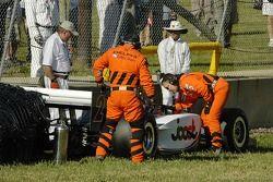 Tomas Scheckter obtient de l'assistance