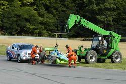 Ryan Hunter-Reay est placé sur la piste et redémarre