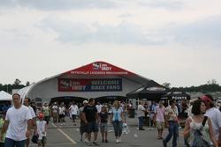 Fans arrive at Nashville Superspeedway