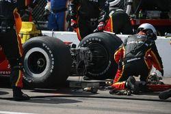 Equipage Panther Racing au travail lors d'un arrêt au stand