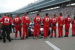 Milka Duno's team prepare for pre-race activities
