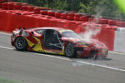 Accidente del #72 AF Corse Ferrari F430: Robert Kauffman, Rui Aguas, Michael Waltrip