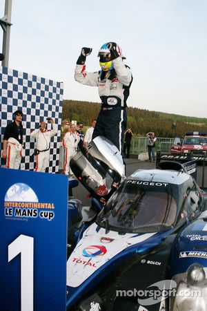 Race winnaar Alexander Wurz