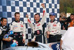 Race winnaar Alexander Wurz, 2de Franck Montagny en Stéphane Sarrazin