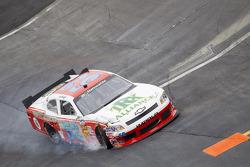 Kevin Lepage crashes