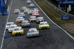 Start: Bruno Spengler, Team HWA AMG Mercedes, AMG Mercedes C-Klasse leads