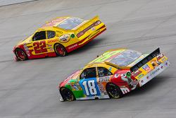 Kurt Busch, Penske Racing Dodge et Kyle Busch, Joe Gibbs Racing Toyota