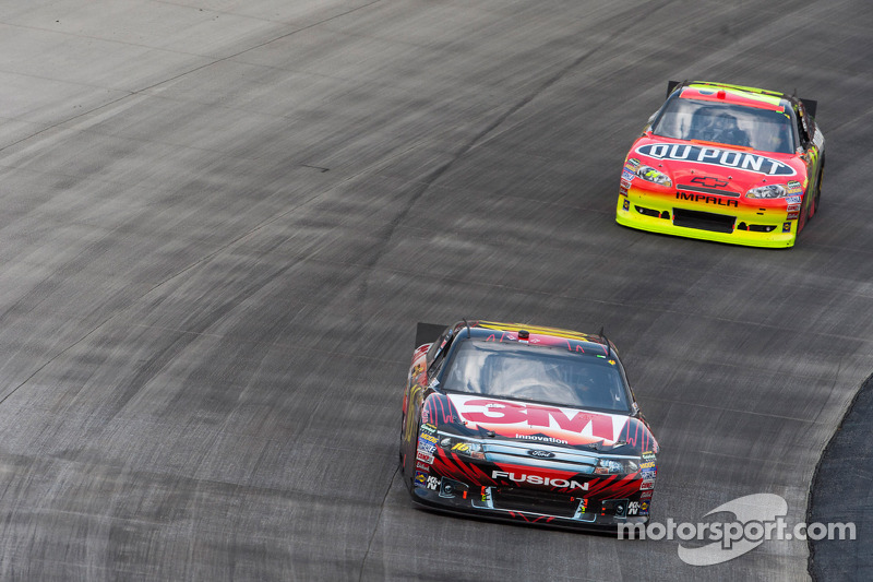 Greg Biffle, Roush Fenway Racing Ford y Jeff Gordon, Hendrick Motorsports Chevrolet