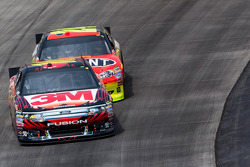 Greg Biffle, Roush Fenway Racing Ford y Jeff Gordon, Hendrick Motorsports Chevrolet