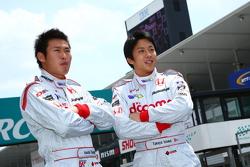 Takuya Izawa en Koudai Tsukakoshi