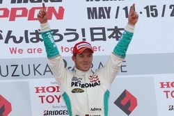 Podium: race winner Andre Lotterer celebrates