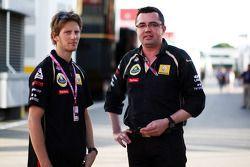 Ромен Грожан и Эрик Булье, руководитель команды Lotus Renault GP