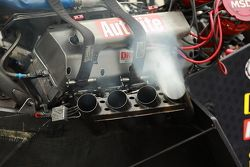 Een enkele cylinder ontbrandt