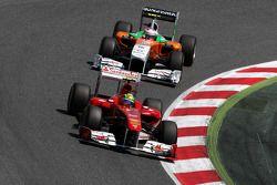 Felipe Massa, Scuderia Ferrari leads Adrian Sutil, Force India F1 Team