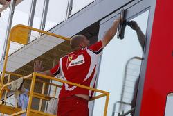 Preparations, Ferrari konuk alanı