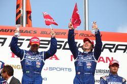 GT500 podium: Joao Paul de Oliveira, Tsugio Matsuda