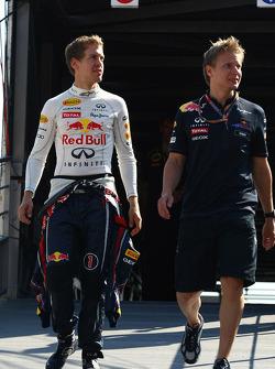 Sebastian Vettel, Red Bull Racing ve his trainer Tommi