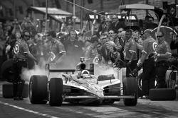 Pit stop challenge: Dario Franchitti, Target Chip Ganassi Racing